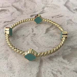 Jewelry - Mint/gold quatrefoil bangle bracelet